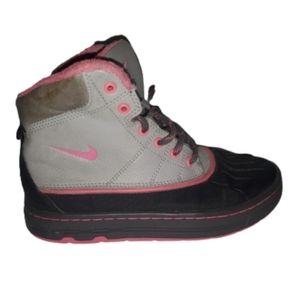 Nike ACG Woodside Girls Duck Boots Pink Size 2Y